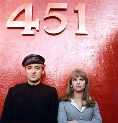 an analysis of man and society in fahrenheit 451 and brave new world ray and huxley